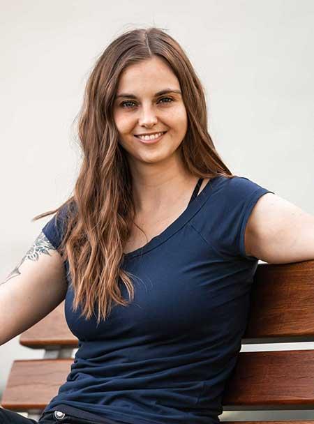 Web-Texterin & Social Media Managerin Céline Schenk